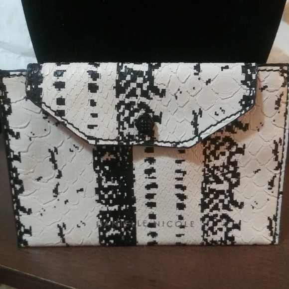 Dantelle Handbags - FIRM PRICE